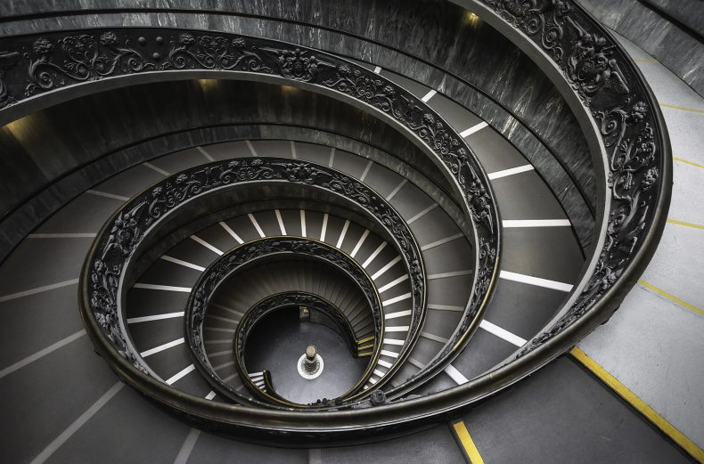 پله های مارپیچ موزه های واتیکان