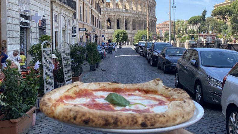 پیتزا ایتالیایی در رم