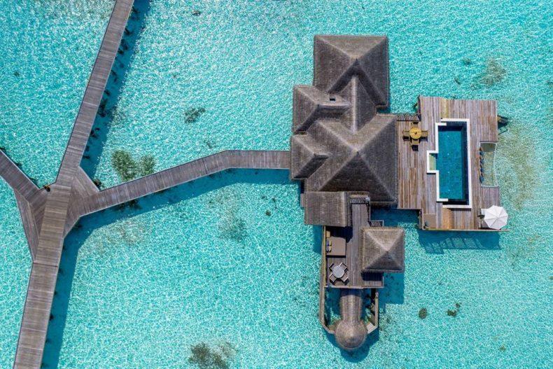 هتل GILI LANKANFUSHI MALDIVES